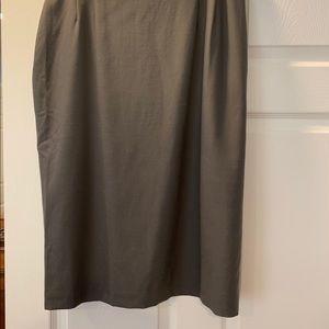 Talbots grey straight skirt 16 P wool with spandex